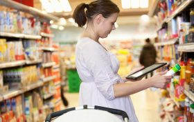 woman_shopping_and_tablet